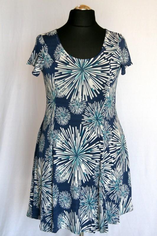 069e87082f Virágos ruha - Viszkóz ruhák :: Ruhakirály női molett ruha Webshop